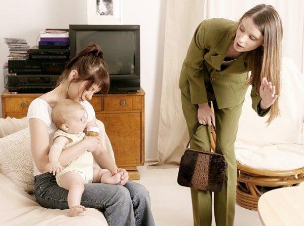 Няня в семье – как выбирать и общаться?