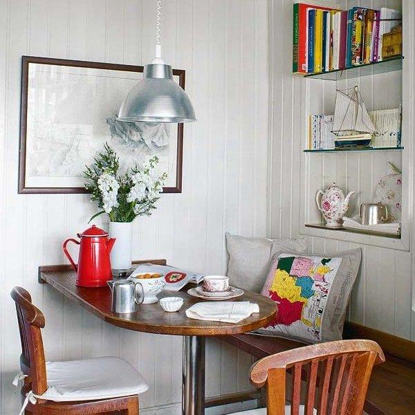 Обеденные столы для маленькой кухни
