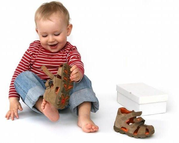 Плоскостопие у ребенка и детская обувь