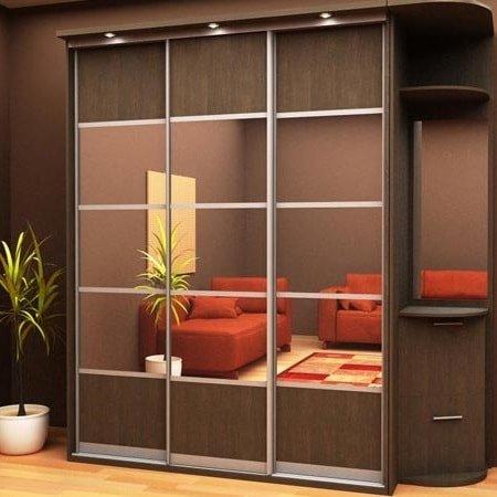 Шкаф купе в гостиную - какие двери выбрать?