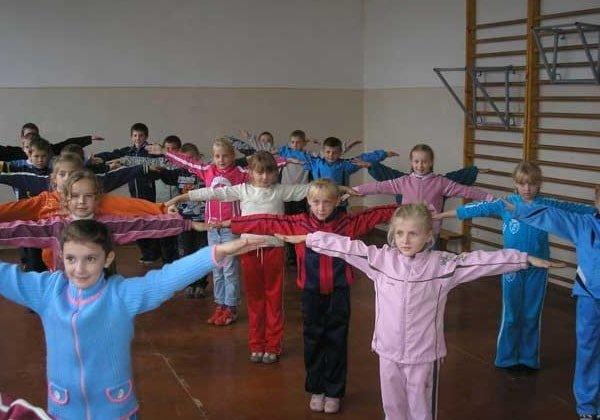 Уроки физкультуры в школе