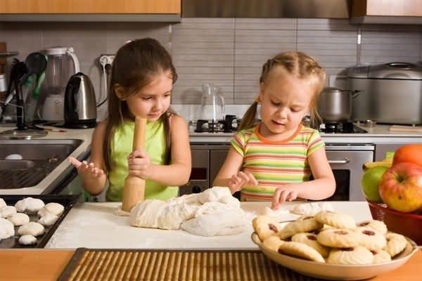 Воспитание девочек с раннего возраста
