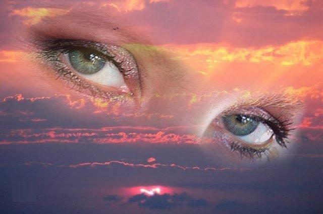 Взор - жгучий, ясный, нежный меняет жизнь смотрящего!