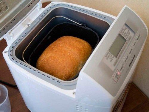 Хлебопечка легко выпекает вкусный хлеб