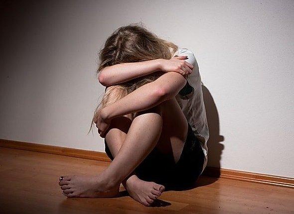 Как проявляется депрессия у детей и что ее вызывает?