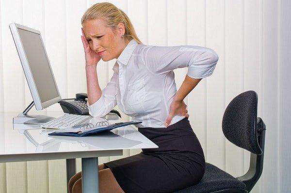 Как и почему появляется боль в спине