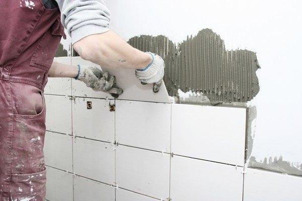 Как класть плитку в ванной своими руками – инструкция