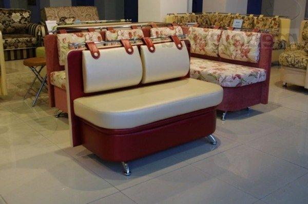 Маленький диванчик на кухню