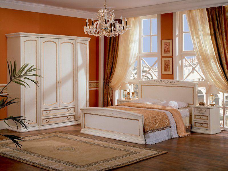 Белая спальня с контрастными стенами фото 1