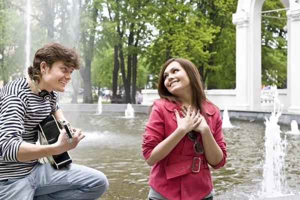 Первое свидание с девушкой – А тебе какие парни нравятся?
