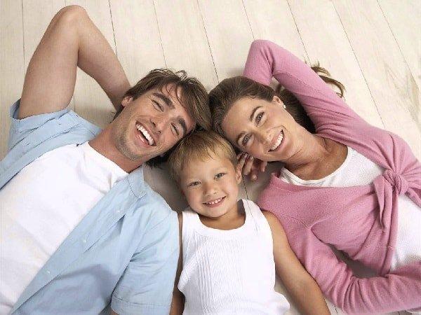 Счастливые отношения в семье через 10 заповедей