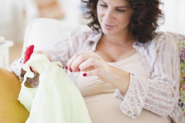 Приметы и суеверия про беременных женщин
