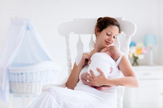 Жидкий стул после родов что делать?