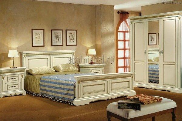Спальня изготовленная из дуба