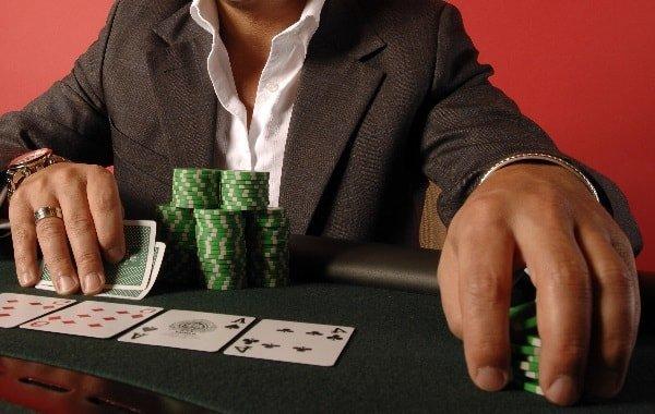 Мой парень азартный игрок! Что делать?