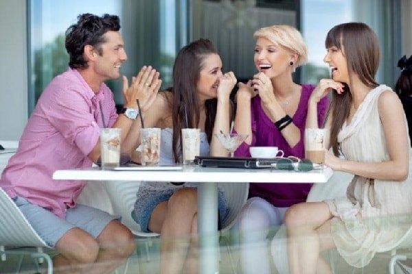 Нужно ли сохранять отношения с друзьями после свадьбы?