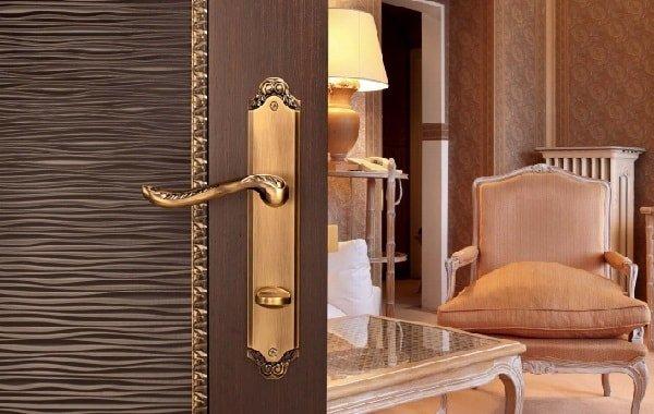 Какую выбрать фурнитуру для дверей