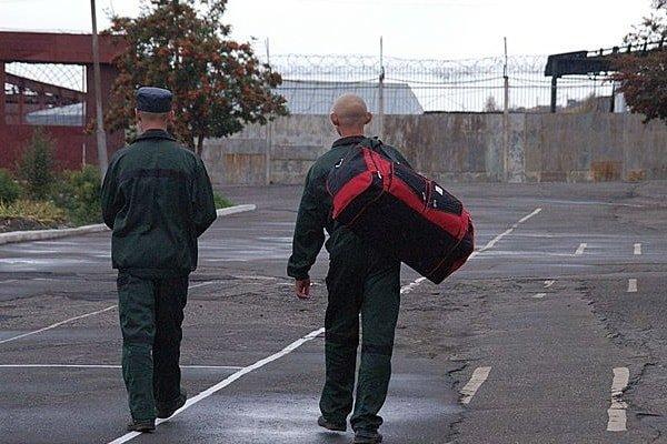 Кто помогает бывшим заключенным после тюрьмы