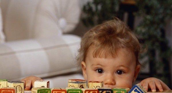 Раннее развитие ребенка опасно?
