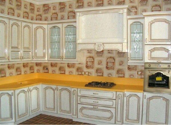 Как расположить мебель на маленькой кухне