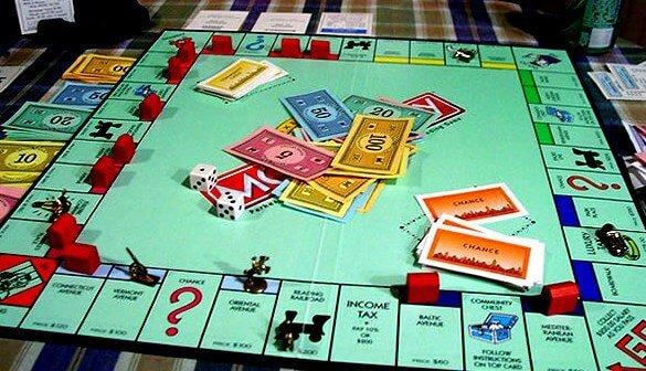Лучшие игры для детей настольные - монополия