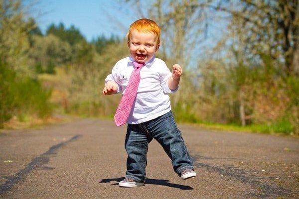 Развитие ребенка в первый год жизни по норме