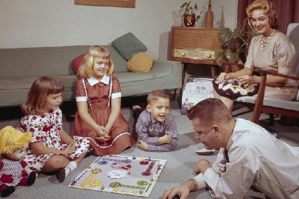 Так проходил семейный досуг в середине 20 века