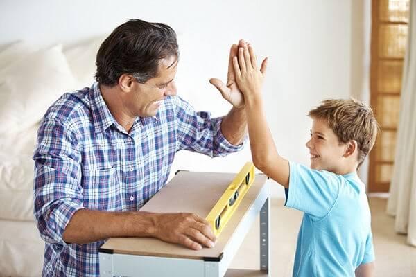 Как воспитывать мальчика 10 лет - советы психолога.