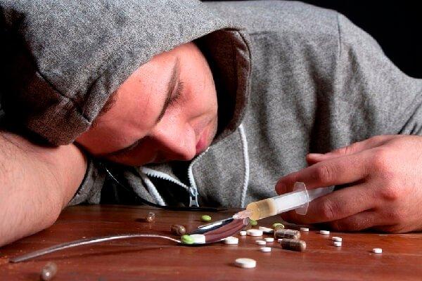 Про наркоманов – сочувствовать или ненавидеть?