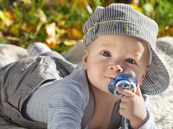 Как уговорить ребенка бросить соску?