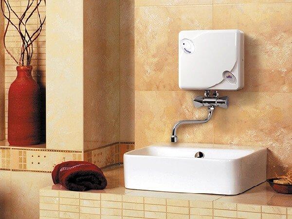 Какой водонагреватель выбрать для дома - проточный?