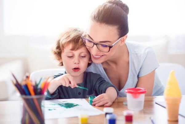 Помогаем детям учить уроки.