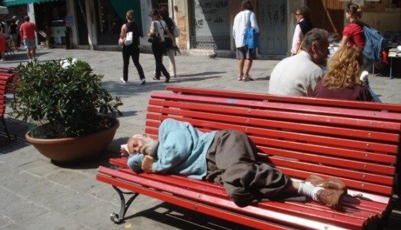 Почему нельзя фотографировать спящих взрослых?