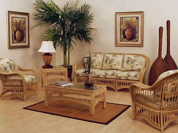 Естественный уют плетеной мебели.