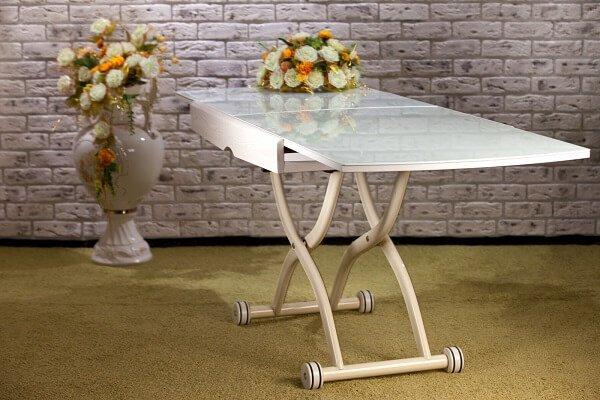 Маленький столик – пустая трата денег или удачное приобретение?