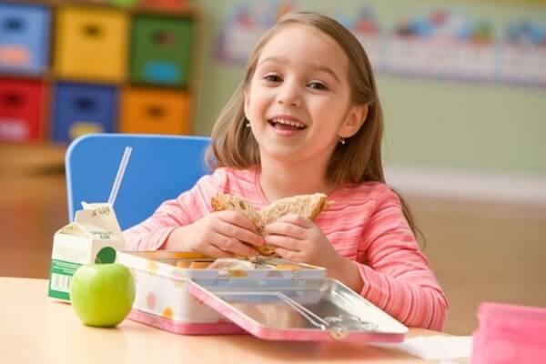 Что положить на обед школьнику с собой?