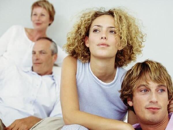 Родители вмешиваются в личную жизнь.