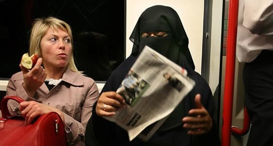 Мигранты мусульмане сегодня. Где христианский респиратор?