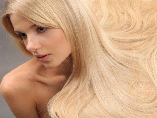 Осветление волос, ароматы от Versace и корица.