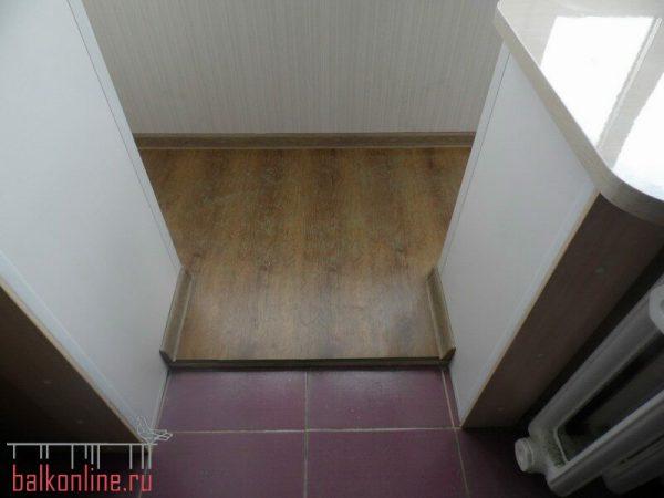 Совмещение балкона с комнатой.