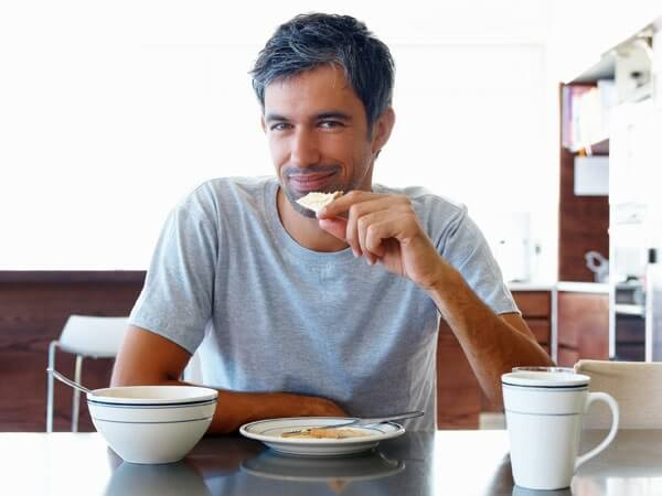 Что едят мужчины – 4 категории отношения к питанию.