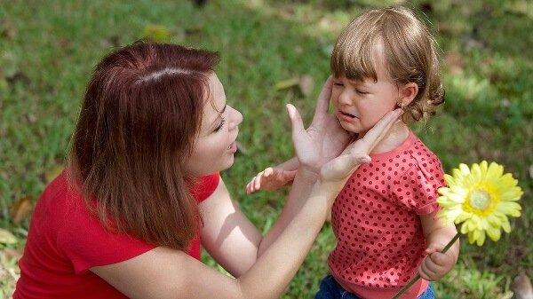 Истерики двухлетки – что делать с ребенком в 2 года?