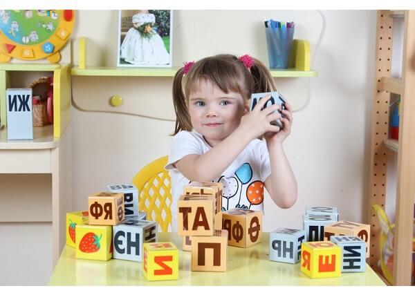 Чем занять ребенка 3 лет дома?