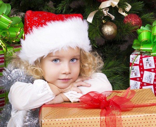 Что подарить детям на Новый Год 2019: идеи для 1 года до 3 лет.