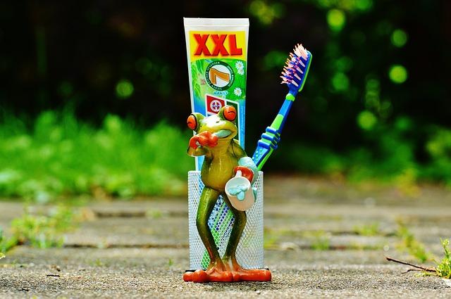 5 необычных способов использования зубной пасты.