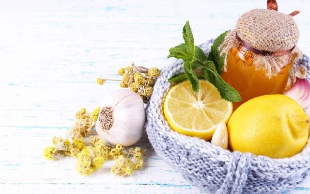 Продукты, которые помогут быстро справиться с простудой.