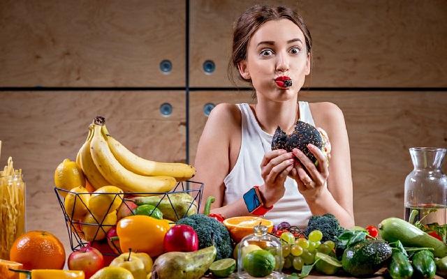 Лайфхаки, которые помогут забыть о диетах и жестких ограничениях в рационе.